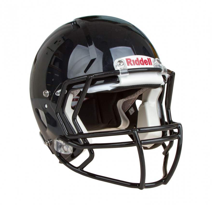 football helmet riddle revolution speed The riddell revolution speed adult football helmet lives up to its name, giving you the lightweight quickness, comfort, and protection you need to edge out the competition.